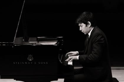 Solo & Chamber Music Series pianist